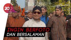Prabowo Diserbu Warga saat Deklarasi Kampanye Damai