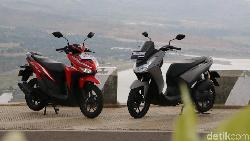Adu Ketangguhan Honda Vario 125 vs Yamaha Lexi