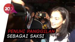 Siap Diperiksa, Atiqah Hasiholan Datangi Polda Metro Jaya