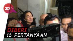 Atiqah Hasiholan Diperiksa Polisi 4,5 Jam