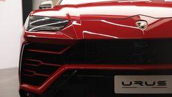 Lamborghini SUV Urus Resmi Mendarat di Jakarta