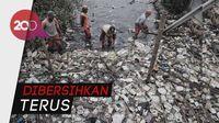 Pantai Marunda Penuh Sampah, Anies: Jangan Buang Sampah di Sungai