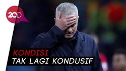 Sudah Waktunya MU Memecat Mourinho