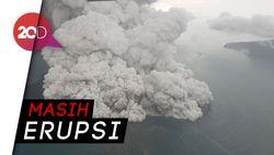 Melihat dari Dekat Gunung Anak Krakatau Erupsi