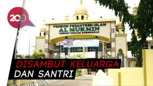Ponpes Al-Mukmin Bersuka Cita Sambut Kebebasan Baasyir