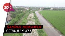 Potret dari Udara Kali Ulu Bekasi Penuh Sampah dan Eceng Gondok