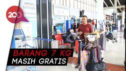 Hindari Biaya Bagasi, Penumpang Lion Air Bongkar Barang Bawaannya