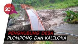 Jembatan di Brebes Ambruk Diterjang Banjir