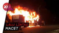 Transjakarta Habis Dilahap Api di Daerah Pasar Baru