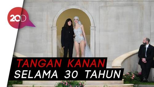 Mengenal Virginie Viard Tangan Kanan Karl Lagerfeld