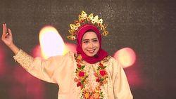 Sri Hidayati Bawakan Puisi yang Berbeda - Sunsilk Hijab Hunt 2019 Makassar