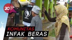 Komunitas Di Bandung Bagi-bagi Beras ke Pesantren