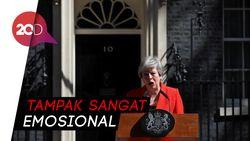 Momen Emosional Pengunduran PM Inggris Theresa May