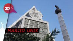 Mengintip Masjid Lain Berbentuk Segitiga Desain Kang Emil di Tanah Abang