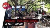 Polisi Gerebek Tempat Pembuatan Miras, Ribuan Liter Dimusnakan