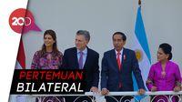 Jokowi Sambut Presiden Argentina di Istana Bogor