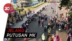 Massa Aksi Kawal MK Mulai Berdatangan di Patung Kuda