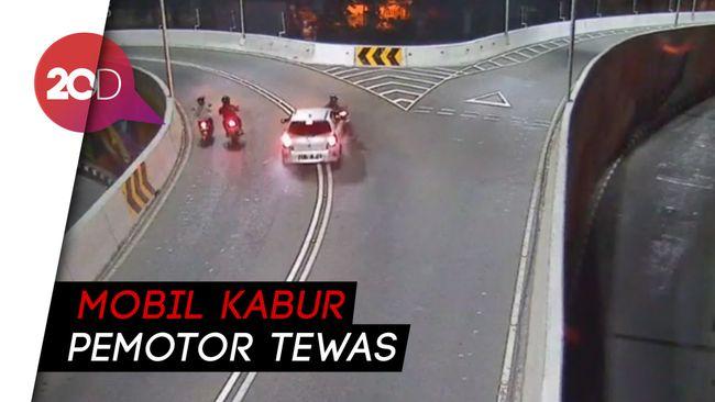 Detik-detik Mobil Tabrak Lari Pemotor di Overpass Solo