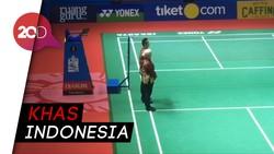 Berbatik! Gaya Wasit dan Hakim Garis di Indonesia Open 2019