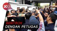 Ricuh! Mahasiswa Demo di Balai Kota, Tolak IMB Reklamasi