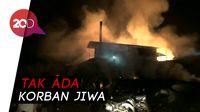 Si Jago Merah Melahap Pabrik Pengolahan Kayu di Probolinggo