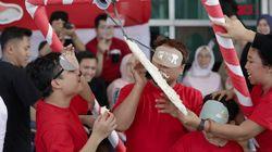 Hasil Lomba Makan Kerupuk, Tim detikcom VS Stand Up Indo