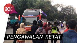 Tiba di SUGBK, Bus Timnas Malaysia Dikawal Barracuda