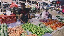 Penjual Sembako dan Sayur Berkeliling Pasar di Rote Demi Sekolah Anak
