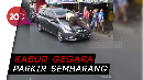 Bak Film Laga, Polisi Nemplok di Kap Mesin Mobil di Pasar Minggu