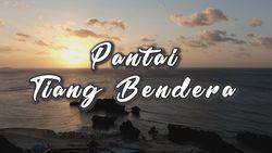 Pantai dengan Tiang Bendera Kuno Ada di Pulau Rote!