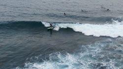 Nikmati Surga Ombak Para Surfer Mancanegara di Kabupaten Simeulue