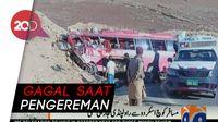 Bus di Pakistan Tabrak Bukit, 22 Orang Tewas