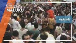 Tradisi Unik Berebut Bendera Di Maluku