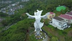 Patung Yesus Memberkati, Pesona Religi Manado