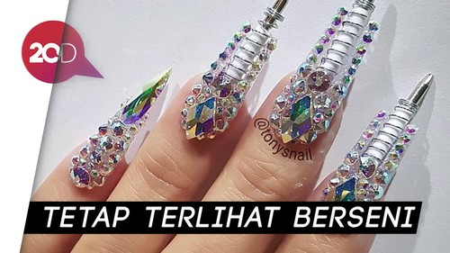Kreasi Nail Art Multifungsi yang Antimainstream