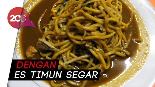 Sluurp! Mie Aceh Tumis Daging Telur yang Pedas Gurih