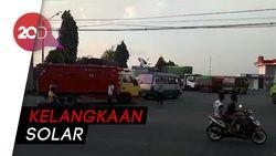 Solar di Bojonegoro Langka, Kendaraan Menumpuk di SPBU