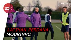 Sentuhan Pertama Mourinho ke Skuat Tottenham