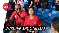 Mengintip Gaya Miyabi Nonton Indonesia Vs Thailand