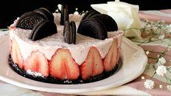 Resep Kue : Cheesecake Stroberi Oreo No Bake