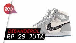 Melihat Detail Sneakers Kolaborasi Dior dan Air Jordan