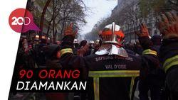 Aksi Protes Sistem Pensiun di Prancis Berujung Ricuh