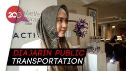 April Jasmine Bangga Putranya Gemar Naik Transportasi Umum
