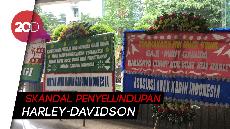 Karangan Bunga Penuhi Kementerian BUMN Usai Pencopotan Dirut Garuda