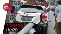 Kecelakaan Beruntun, Tiang Beton Tembus Hingga Belakang Mobil