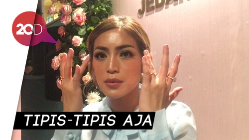 Tips Tampil Manis dengan Blush On Natural ala Jessica Iskandar
