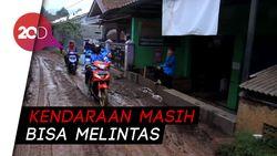 Lumpur Banjir Bandang Selimuti Jalan Kertasari-Pangalengan