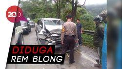 Bus Rombongan Siswa SMA Tabrak Dua Mobil di Jalan Lintas Padang-Solok
