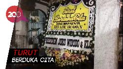 Karangan Bunga Jokowi hingga Ahok Hiasi Rumah Duka Ade Irawan