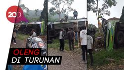 Bus Pariwisata Terguling di Ciater Subang, 6 Orang Tewas